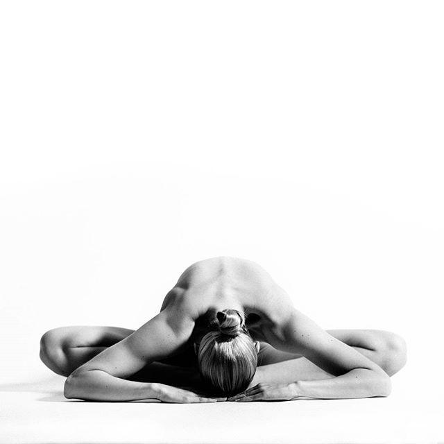 Hot nude yoga on vimeo