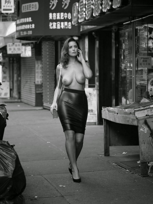 Topless in New York - Het mag! Het staat in de wet.