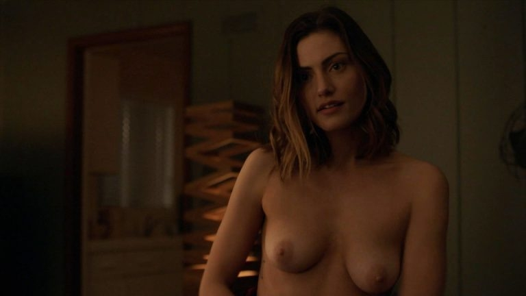 Hollywood actrice Phoebe Tonkin topless in The Affair