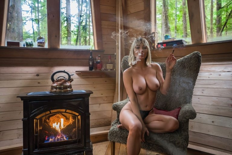 Sara Underwood Creepy Cabin shoot